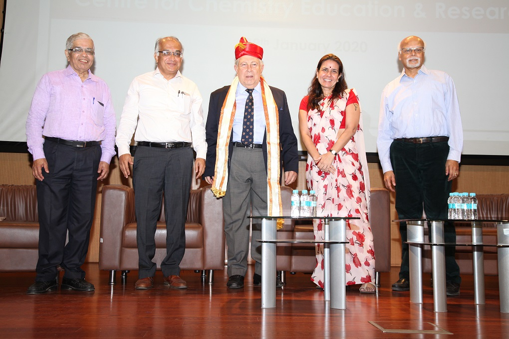 Dr Y K Hamied, Ms Rumana Hamied and Prof. Jayant Udgaonkar with IISER team at the inauguration
